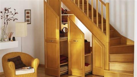 cuisine lapeyre ou ikea des rangements sous escalier