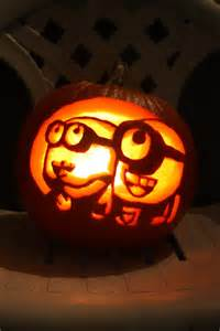 Minions Carved Into Pumpkins by Best 25 Minion Pumpkin Carving Ideas On Pinterest