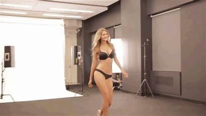 Gigi Hadid Secret Victoria Victorias Try Runway