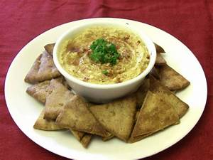 Hummus and Pita Chips | A Lady's Guide