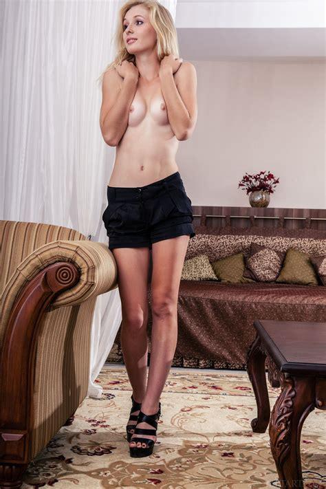 Leona Honey In Paradi By Met Art 12 Photos Erotic Beauties