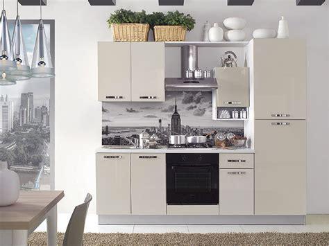 Cucine per Monolocale: Tante Idee per un Arredamento Funzionale MondoDesign it