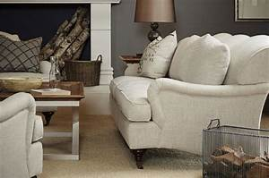 10 classic sofa styles for your living room anderson grant for Classic sofa styles