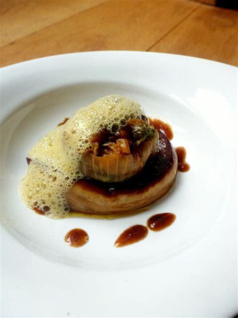 foie gras poêlé oignon acidulé et émulsion iodée chez