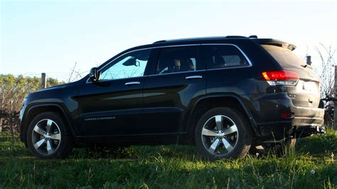 overland jeep cherokee 2014 jeep grand cherokee overland review lt3 caradvice