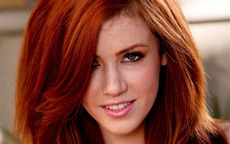 Women Model Redhead Long Hair Face Smiling Women Outdoors