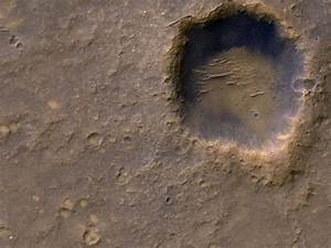 Dead Spacecraft on Mars Spotted in New Photos | Phoenix ...