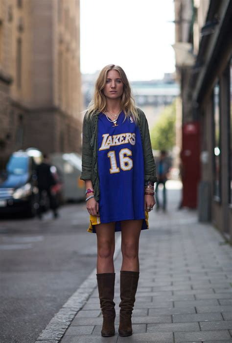 Basketball Uniforms | Sexy and Stylish you may have ignored - Slim Fashion