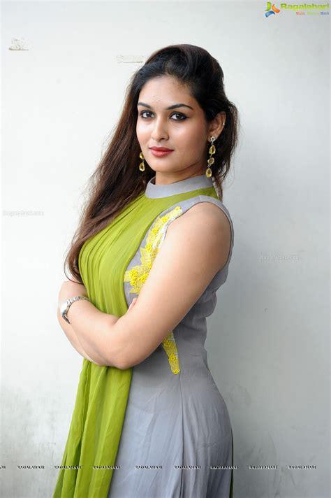 Prayaga Martin Image 6 Telugu Actress Wallpapers Images