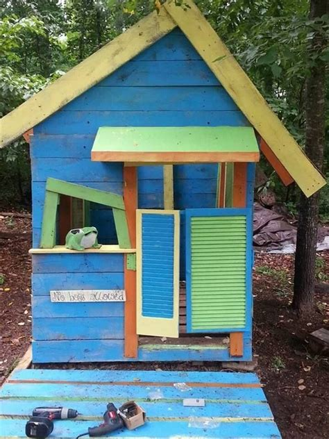 wood pallet playhouses  kids pallet wood projects