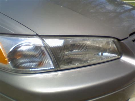 clean your car headlights with toothpaste