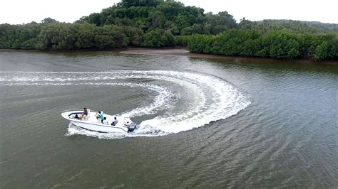 Speed Boat Goa by Speed Boat Hire In Goa For Couples Family For Sunset