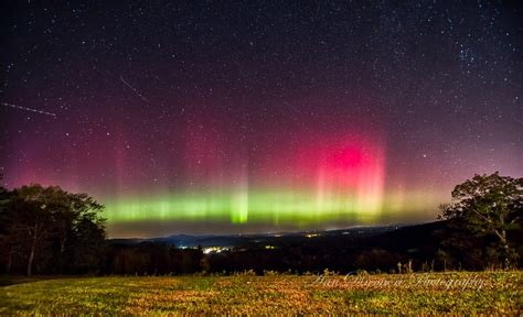 northern lights new hshire meteor shower mixes with northern lights show