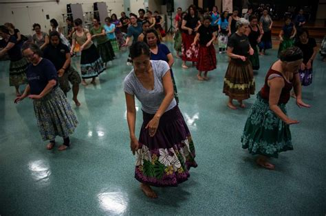 Redefining Hawaii's Hula Tradition For The Mainland