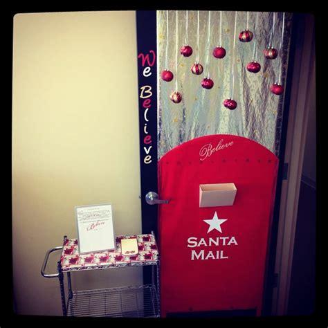 christmas door decorating contest  work