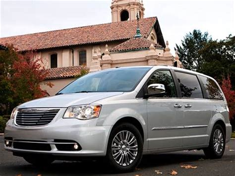 blue book value used cars 2003 chrysler town country on board diagnostic system 2014 chrysler town country pricing ratings reviews kelley blue book