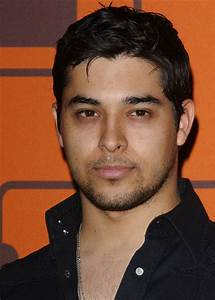 "Wilmer Valderrama Photos Photos - ""That '70s Show"" Series ..."