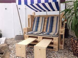 lounge ecke balkon die 25 besten ideen zu strandkorb aus paletten auf strandkorb holz shop und