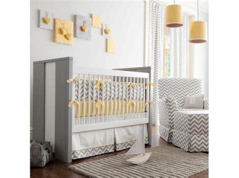 photo deco chambre quelle décoration chambre fille jaune