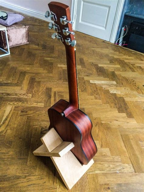build  simple guitar stand   single board  wood