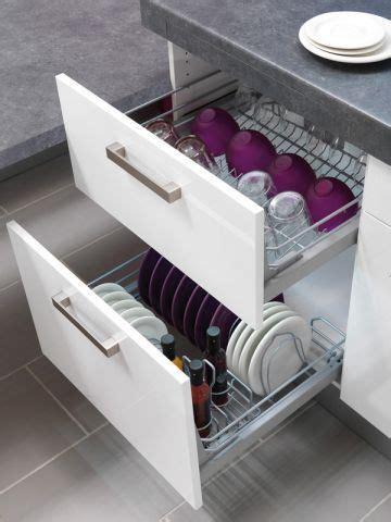 rangement vaisselle cuisine dans la cuisine à chaque objet rangement cuisine et