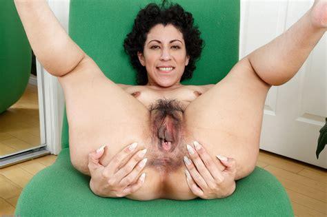 wonderful milf kinky gaga spreading her legs and revealing her sweet pussy