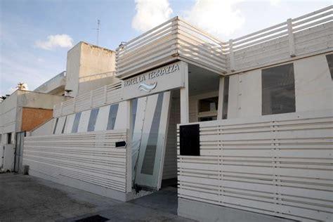 hotel la terrazza barletta 171 prigionieri 187 in hotel corrieredelmezzogiorno