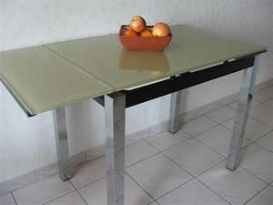 Petite Table En Verre : meubles de cuisine occasion en charente maritime 17 annonces achat et vente de meubles de ~ Teatrodelosmanantiales.com Idées de Décoration