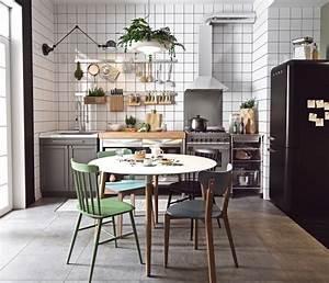 1001 conseils et idees pour la deco cuisine scandinave With deco cuisine avec chaises blanches pied bois