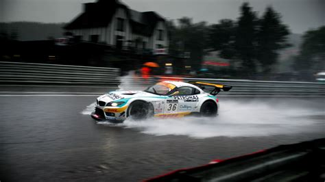 Bmw Rain Race Wallpaper