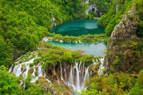 The World's 15 Most Amazing Waterfalls  Thrillist