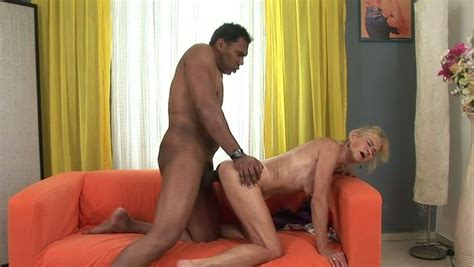 Sex Starved Granny Gets Her Loose Pussy Fucked By A Bbc