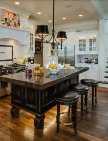 Lights Above Kitchen Island Coastal Home With Traditional Interiors Home Bunch Interior Design Ideas
