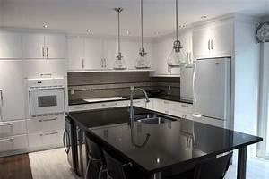 Lustre Cuisine Pas Cher : armoire cuisine blanche meubler une cuisine pas cher meubles rangement ~ Teatrodelosmanantiales.com Idées de Décoration