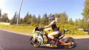 Image De Moto : sans sous v tements cette jolie blonde s 39 offre une vir e moto ~ Medecine-chirurgie-esthetiques.com Avis de Voitures