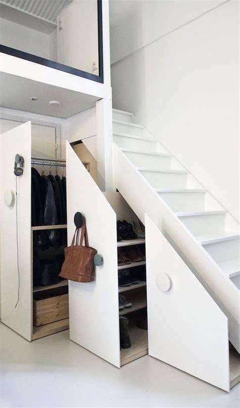 rangement sous bureau 17 meilleures idées à propos de placard sous les escaliers