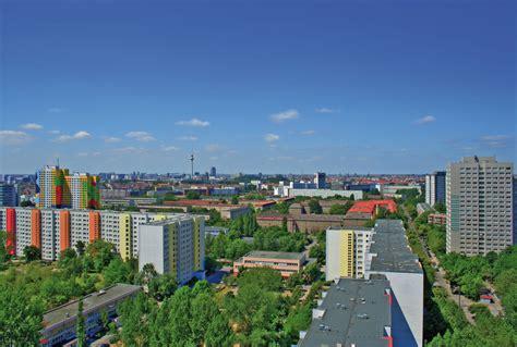 Denkmalgeschuetzte Reihenhaeuser So Idyllisch Kann Berlin Sein by Lichtenberg Kein Zentrum Aber Viele Lebenswelten