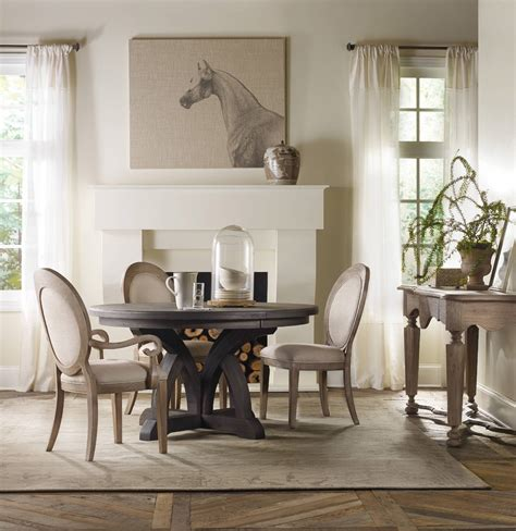 Dining Table Incredible Decorating Ideas Using Rounded