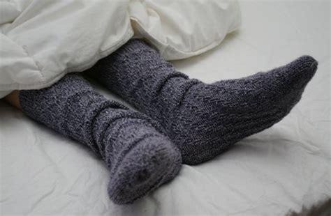 schlafen mit heizung ist es ungesund mit socken zu schlafen matratzen info