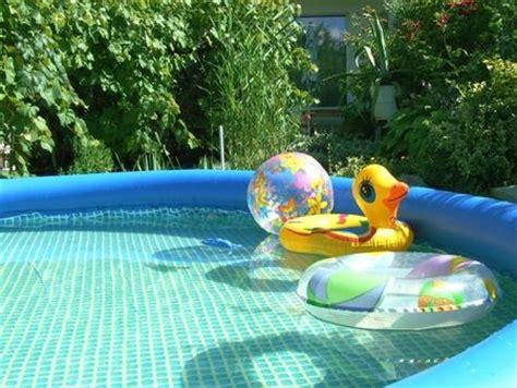 comment entretenir une piscine gonflable comment installer et int 233 grer une piscine gonflable au jardin