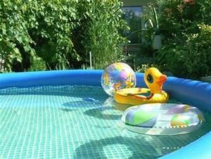 piscine gonflable jardin vacances arts guides voyages With petite piscine rectangulaire gonflable 11 piscine pour petit jardin arts et voyages
