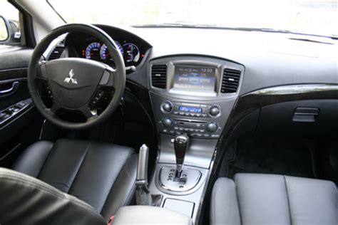 mitsubishi grunderpicture  reviews news specs buy car
