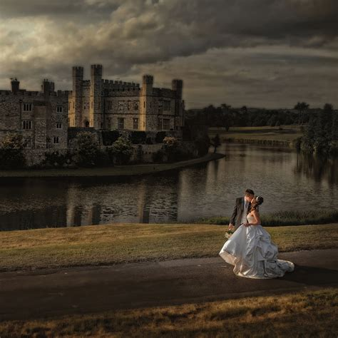 stunning wedding photography  leeds castle maidstone
