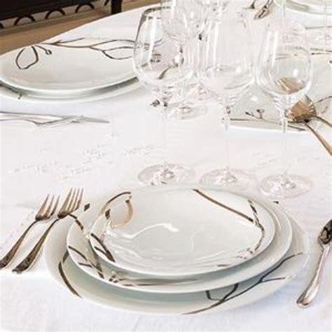 service a vaisselle carrefour service de table solde conceptions de maison blanzza