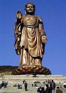 Statue Bouddha Maison Du Monde : les plus grandes statues du monde ~ Teatrodelosmanantiales.com Idées de Décoration