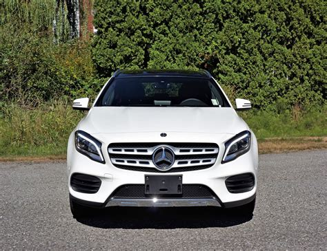 Price details, trims, and specs overview, interior features, exterior design, mpg and mileage capacity, dimensions. 2018 Mercedes-Benz GLA 250 4Matic Road Test | The Car Magazine