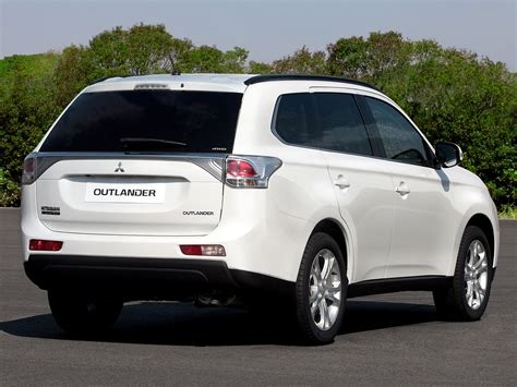 2019 Mitsubishi Outlander Es  Car Photos Catalog 2018