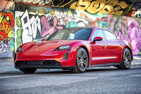 First and Only Porsche Taycan Rental Montreal   Loue La ...