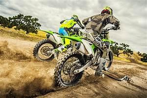 Vidéo De Moto Cross : kawasaki 39 s 2018 motocross range released ~ Medecine-chirurgie-esthetiques.com Avis de Voitures