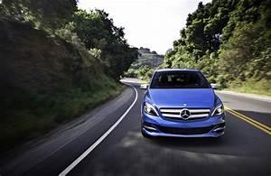 Mercedes Classe B Electrique : la mercedes classe b lectrique lanc e aux m me prix que la bmw i3 aux usa ~ Medecine-chirurgie-esthetiques.com Avis de Voitures